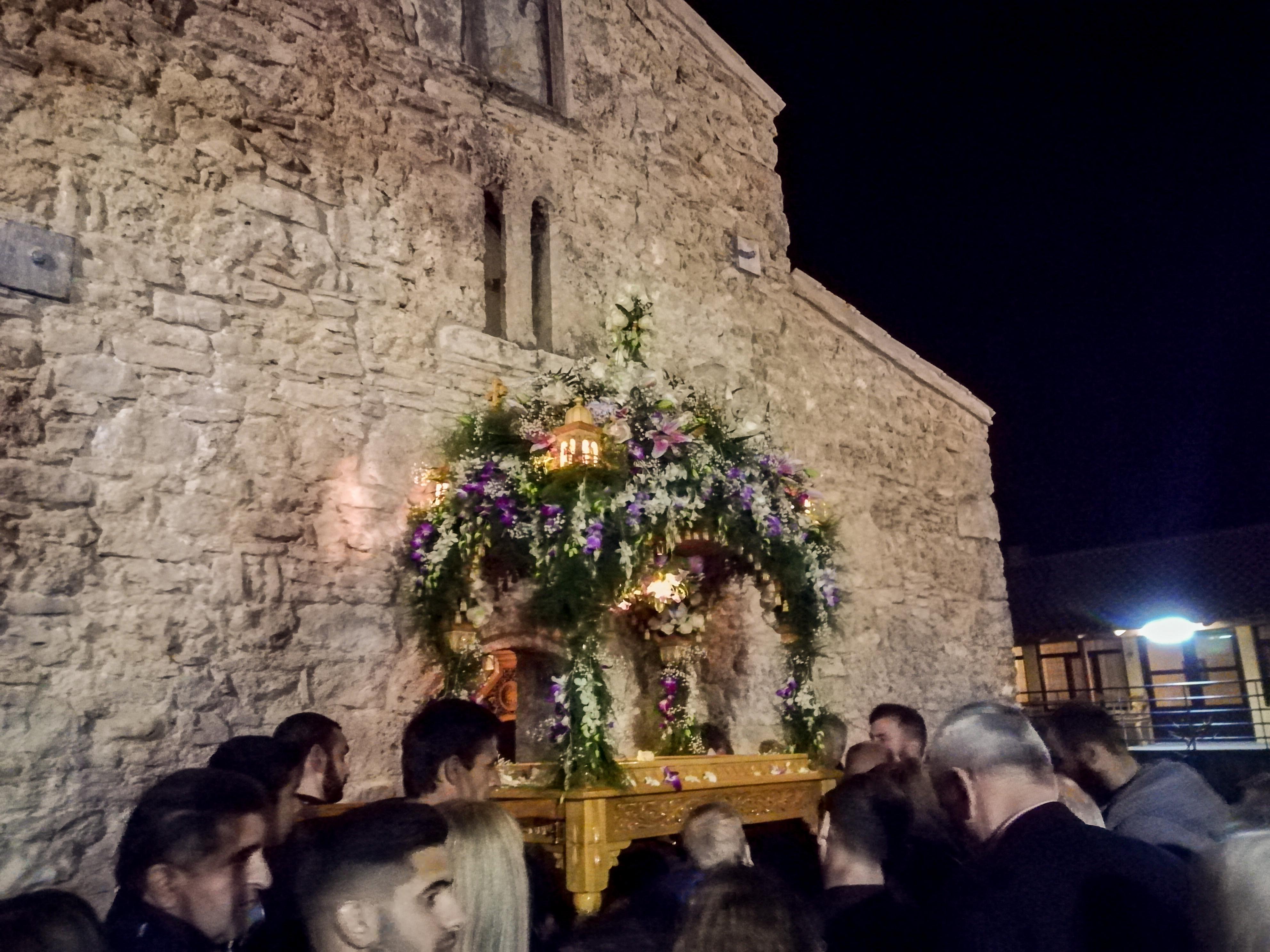 Περιφορά του Επιταφίου στην Ιερά Μονή Φραγκαβίλλας Ηλείας FOTO