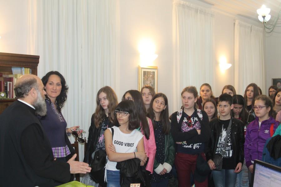Επίσκεψη στον Σεβασμιώτατο Μητροπολίτη Θεσσαλιώτιδος καὶ Φαναριοφερσάλων κ. Τιμόθεο σχολικές χορωδίες από τη Σερβία