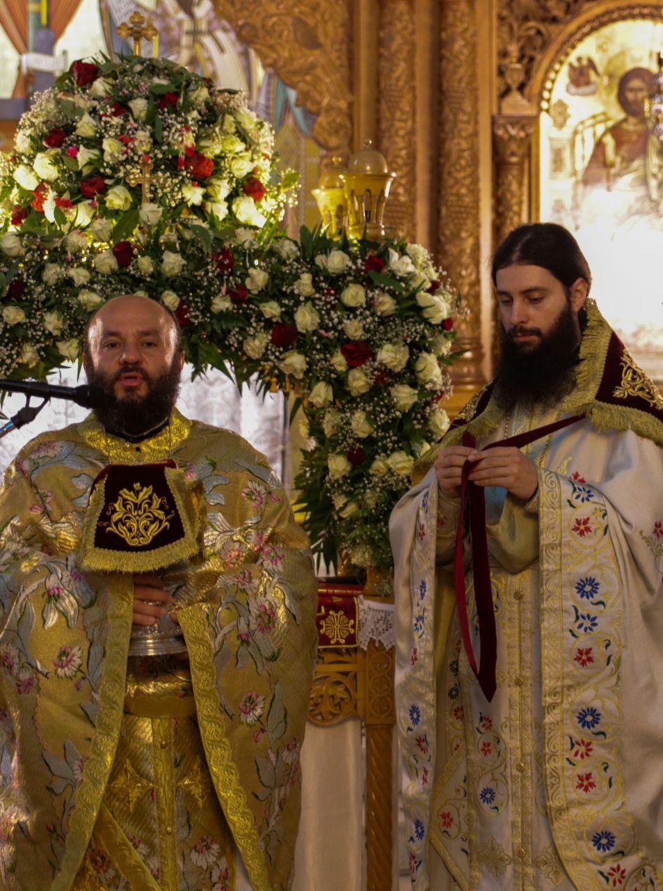 Πρώτη Ανάσταση στον Ιερό Ναό Αναλήψεως Κυρίου Νέου Κόσμου FOTO